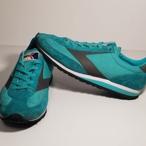 Vintage BROOKS Women's Running Shoes Size 8.5